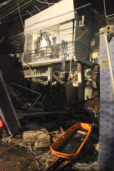 Quang cảnh tan hoang sau vụ nổ