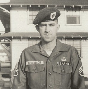 John Hartley Robertson, ảnh chụp năm 1966.