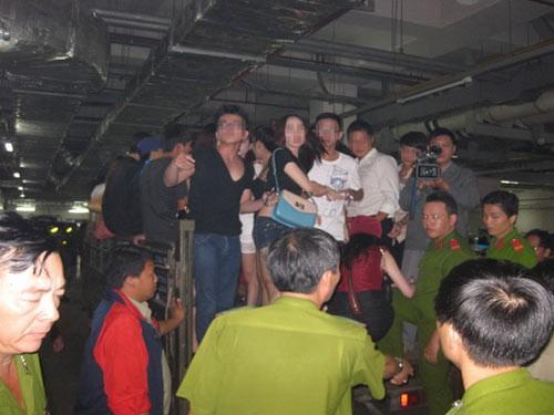 Kiểm tra quán Bar