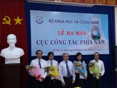 Lễ ra mắt và trao Quyết định thành lập Cục Công tác phía Nam Bộ KH&CN