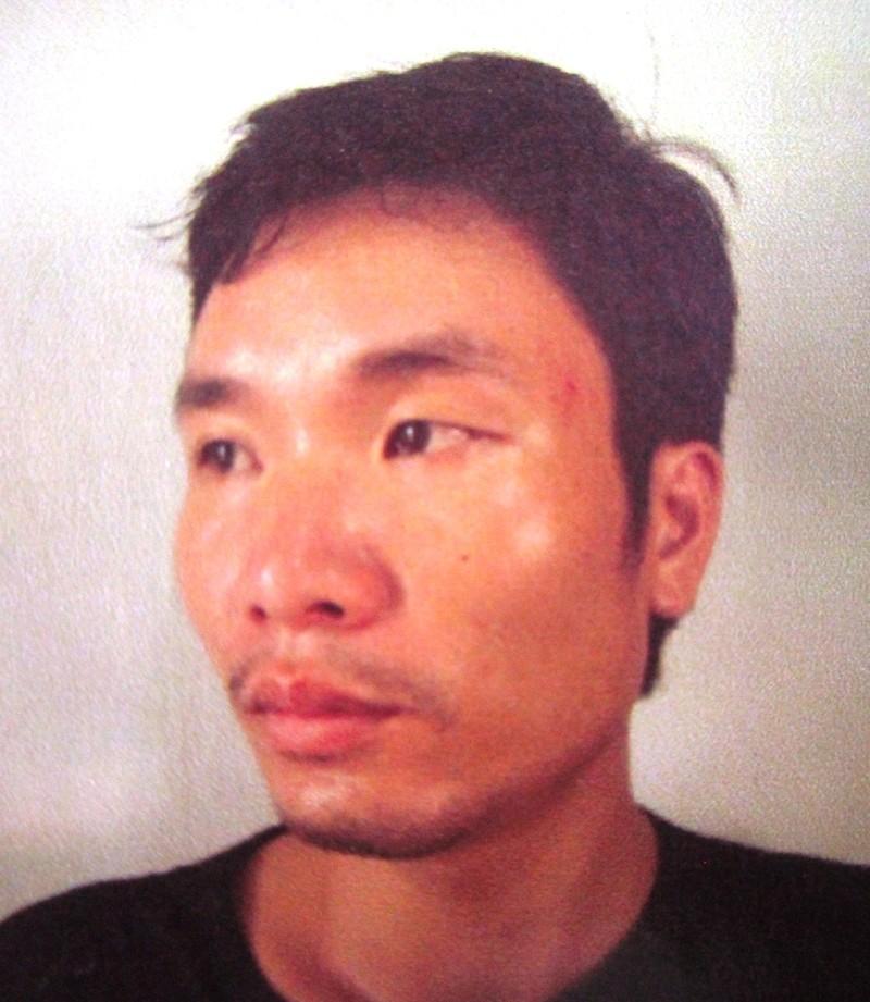 Đối tượng Quách Văn Thuận đang bị công an bắt giữ