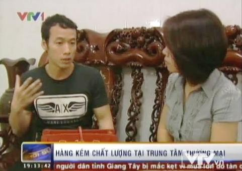 Anh Vũ Ngọc Thái chia sẻ câu chuyện mua hàng hiệu với phóng viên VTV.