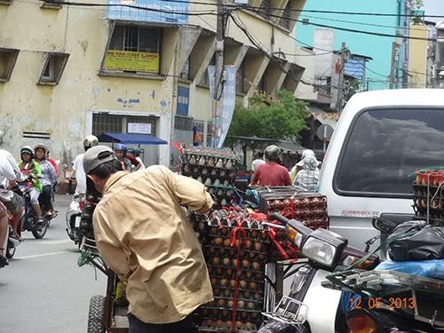 Trứng gia cầm không kiểm dịch bán tràn lan tại TP HCM