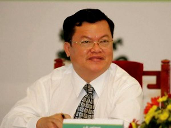 Ông Lê Hùng