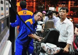 Giá xăng dầu giảm nhỏ giọt. Ảnh minh họa