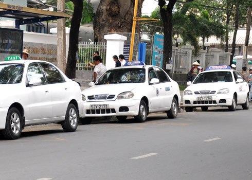 Dịch vụ taxi đắt khách ngày cuối nghỉ tết
