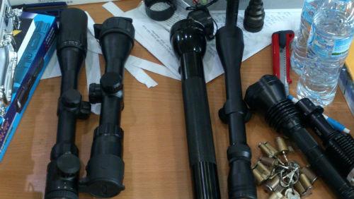 Các thiết bị quay lén, nghe lén bị cơ quan chức năng bắt giữ hồi tháng 10/2013