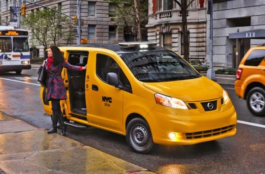 """Mẫu Nissan NV200, dòng xe đã chiến thắng trong cuộc thi mẫu """"Taxi cho tương lai"""" tại New York, Mỹ"""
