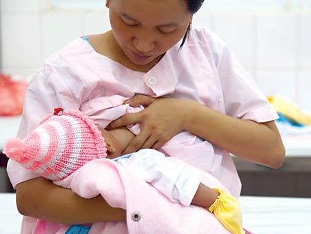 Tại Việt Nam, nhiều bà mẹ thiếu sữa đã không ngần ngại đăng tin
