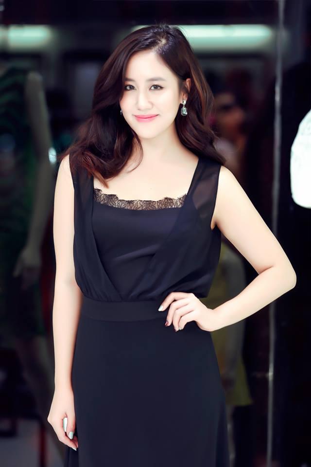Lần quay lại này là một Văn Mai Hương với diện mạo mới hơn, xinh đẹp hơn. Photo: Như Hoàn - Fashion: Elise