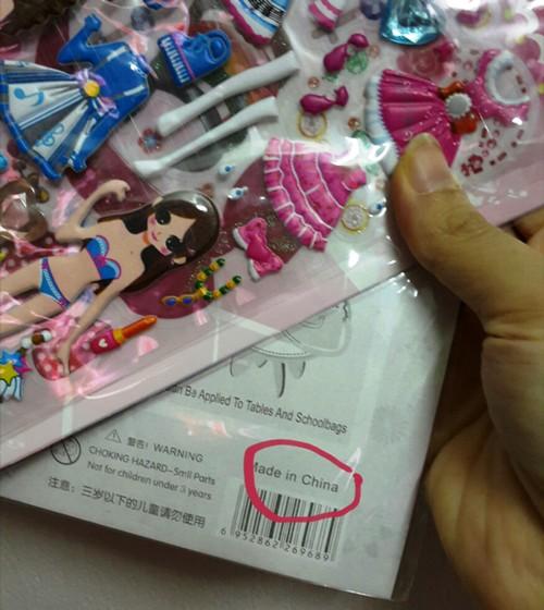 Kiểm nghiệm miếng dán đồ chơi Trung Quốc tìm độc tố