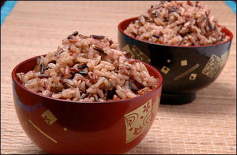 Những chén cơm nấu từ gạo mầm