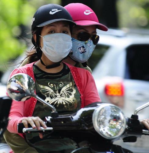 Từ 1/7 người đi mô tô, xe máy đội những loại mũ này sẽ bị phạt từ 100.000 - 200.000 đồng