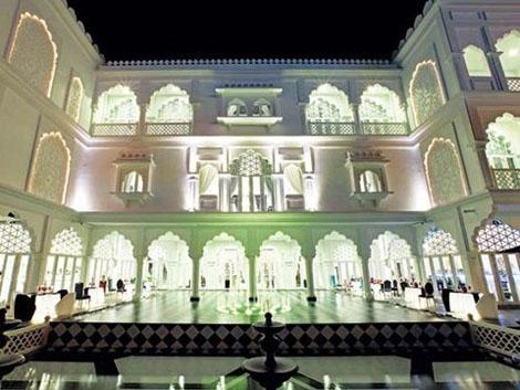 Thời gian gần đây, Chủ tịch tập đoàn Khải Silk gây chú ý với tòa lâu đài trắng siêu sang trọng mang tên Tamasago mang đậm phong cách Ấn Độ giữa lòng Sài Gòn