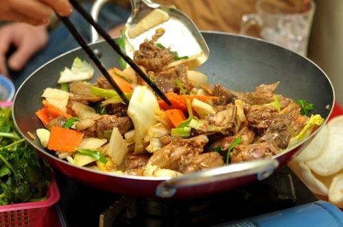 Các quán lẩu gà,vit khô đắt khách tại Hà Nội