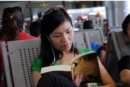 Chị Lê Thị Thanh Huyền (SN 1974, trú ở phố Hàng Thiếc, quận Hoàn Kiếm, Hà Nội) chết sau khi nâng ngực và hút mỡ bụng tại Thẩm mỹ viện Cát Tường. Hiện xác nạn nhân vẫn chưa được tìm thấy