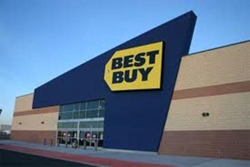 8. Best Buy, điểm: 29,8%, điểm so với năm 2012: Giảm 11%