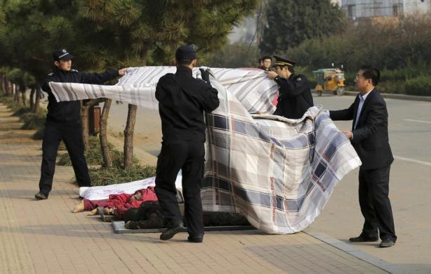 Nhiều người chết trong vụ nổ đường ống dẫn dầu kinh hoàng ở Trung Quốc