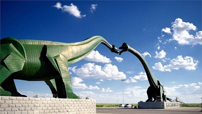 Công viên được xây dựng tại thành phố Erenhot thuộc khu tự trị Nội Mông, Trung Quốc.