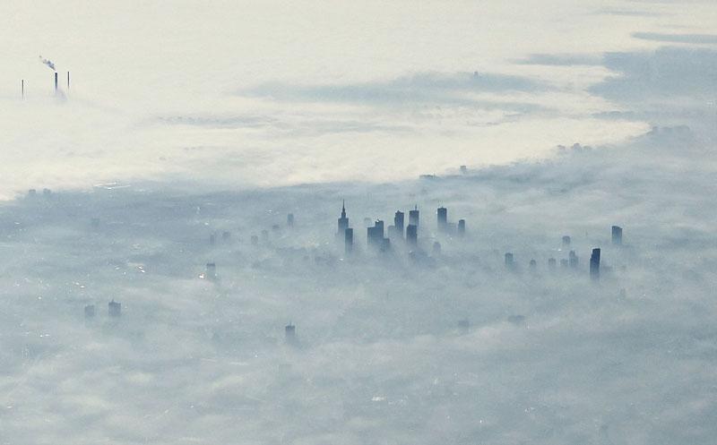 Thủ đô Warsaw của Phần Lan chìm trong sương mù.