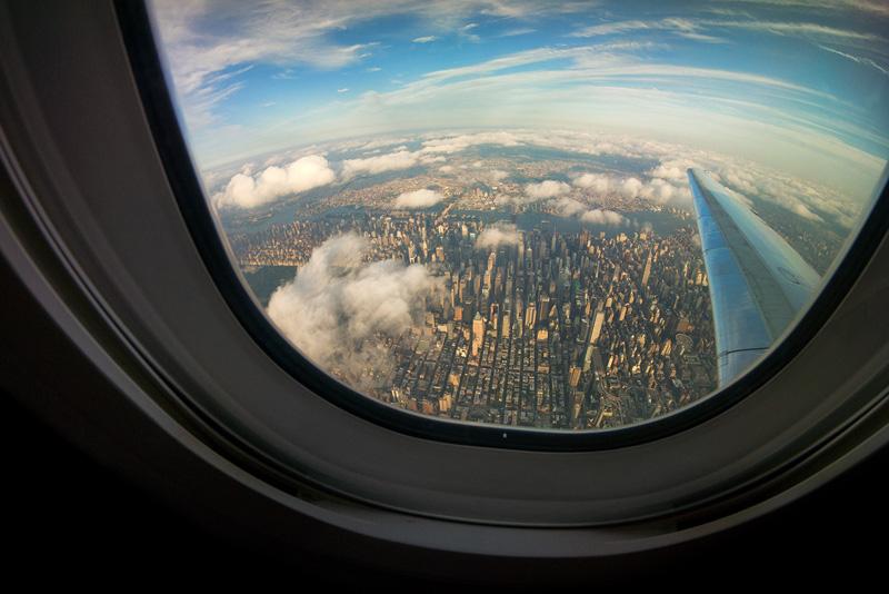 Một góc New York nhìn từ cửa sổ máy bay.