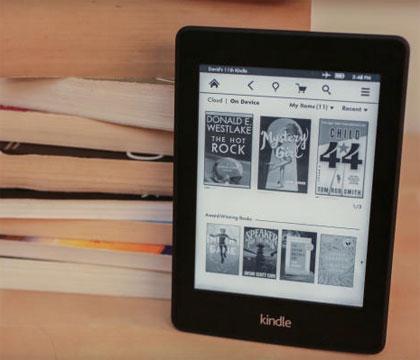 Tháng 11/2013, thông tin đăng tải trên TechCrunch cho biết, Amazon đang phát triển Kindle Paperwhite mới với màn hình phẳng hơn, mặt gương, mật độ điểm ảnh lên đến 300ppi. Sản phẩm này được cho là sẽ ra mắt trong khoảng tháng 5-6/2014.