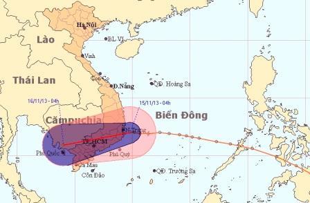 Bão số 15 diễn biến suy yếu lại thành áp thấp nhiệt đới ngay trong đêm