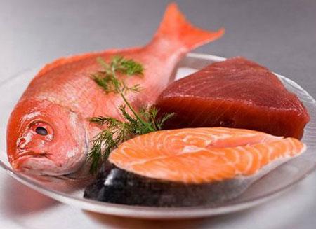thịt cá để lâu trong tủ lạnh sẽ mất chất dinh dưỡng và sinh ra nhiều chất có hại
