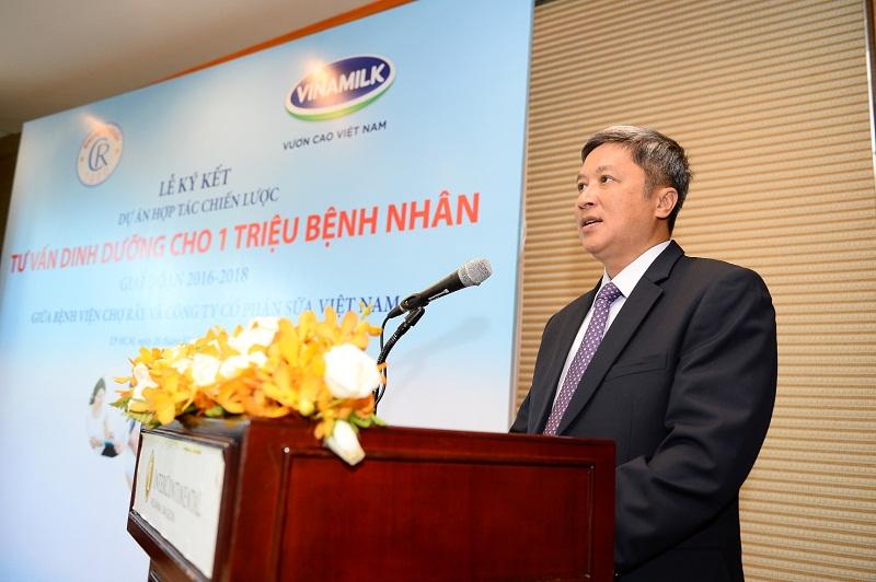 PGS.TS Nguyễn Trường Sơn – Giám Đốc Bệnh viện Chợ Rẫy phát biểu tại Lễ ký kết