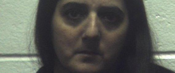 Bà Misty Machinshok ép chồng quan hệ tình dục với con gái vì vô sinh