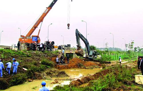 Vỡ đường ống nước Sông Đà về Hà Nội