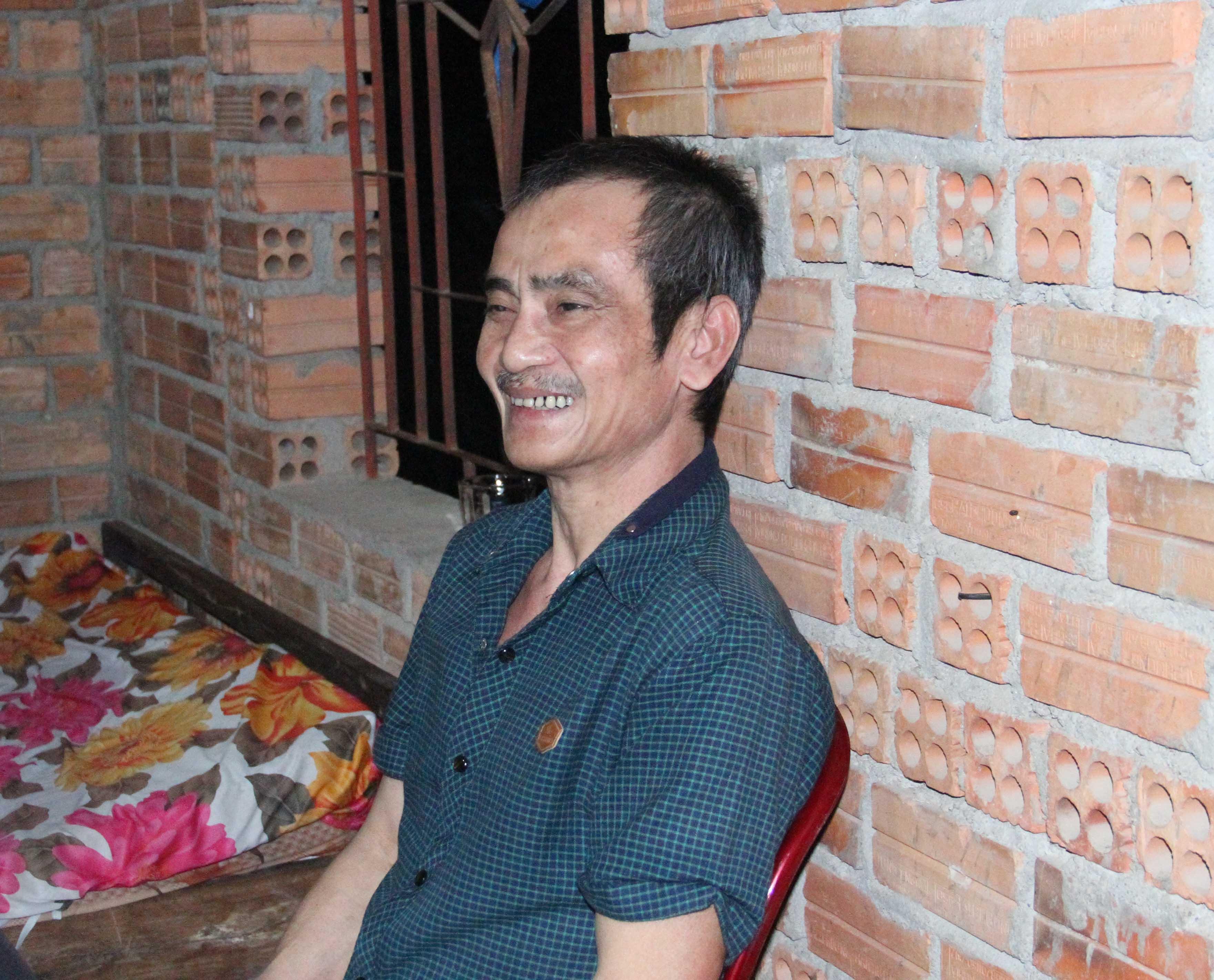 Ông Huỳnh Văn Nén vừa mới được cho tại ngoại sau 17 năm giam giữ
