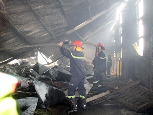 Toàn bộ tài sản trong kho hàng đã bị thiêu rụi trong vụ cháy mới nhất này