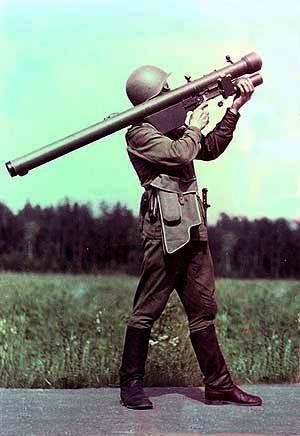 Tên lửa Strela-3 đã được xuất khẩu sang hơn 30 quốc gia.  Strela-3 dùng đạn tên lửa 9M36