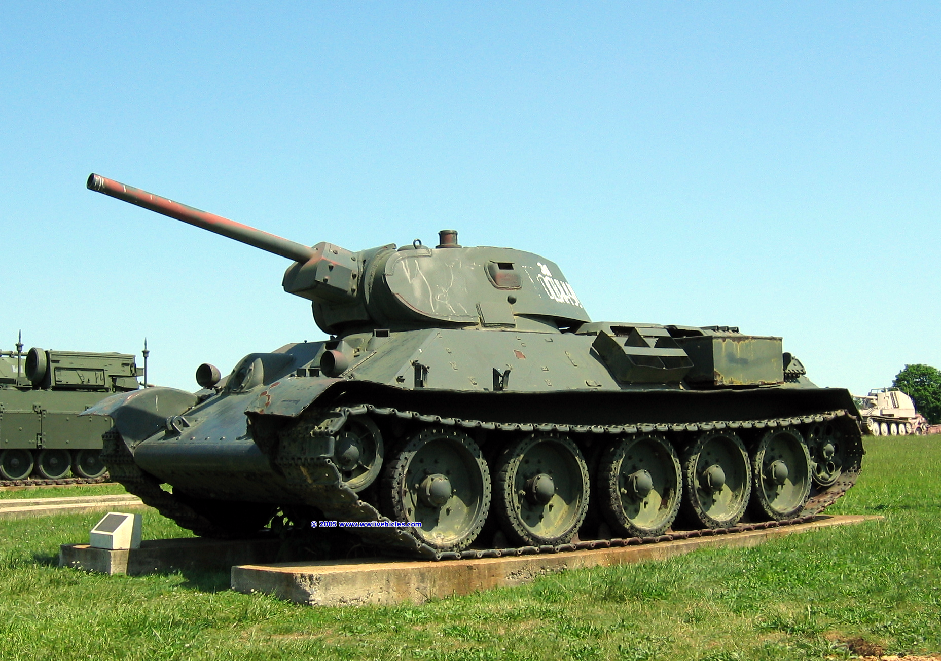 Xe tăng T-34 là một trong những vũ khí quân sự nổi bật của Hồng quân