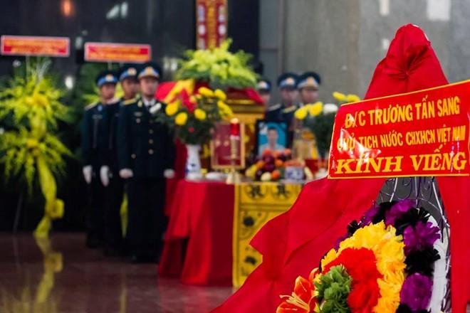 Không khí đau buồn tràn ngập nhà tang lễ Bộ Quốc Phòng