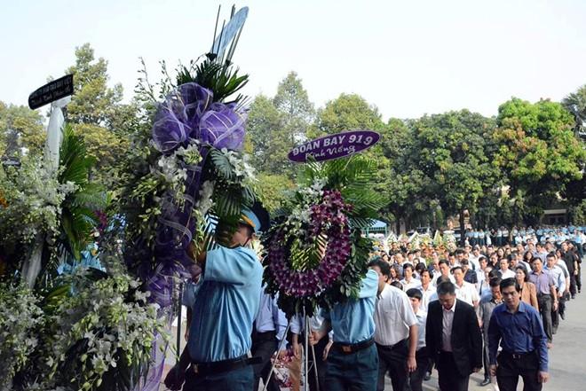 Hàng nghìn người đã đến viếng 4 quân nhân hy sinh