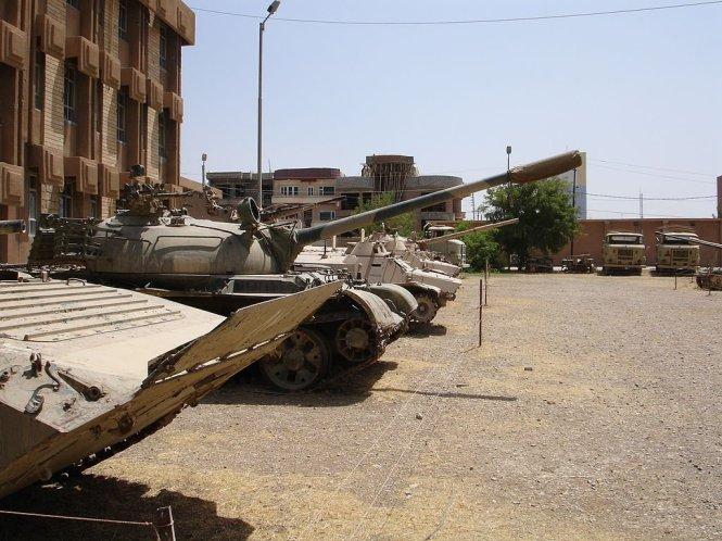 Một trong những chiến lơi phẩm mà phiến quân nhà nước Hồi giáo tự xưng ISIS có được là xe tăng T-55