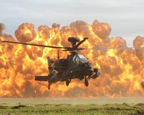 Trực thăng chiến đấu AH-64 Apache là thứ vũ khí quân sự đáng nể hiện nay
