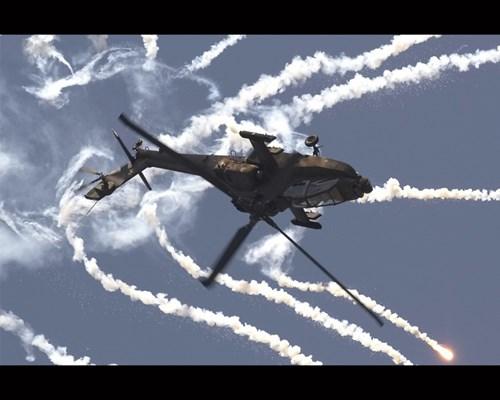 Trang bị hiện đại góp hần biến AH-64 Apache thành 1 thứ vũ khí quân sự đáng sợ