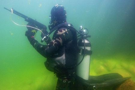 Súng trường ADS là loại vũ khí quân sự có thể dùng được cả dưới nước lẫn trên cạn