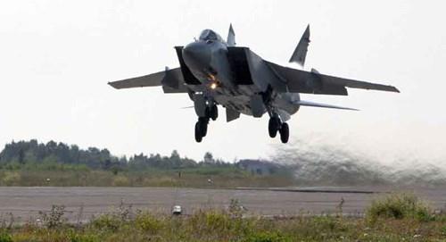 Tiêm kích đánh chặn nhanh nhất thế giới MiG-31 là thứ vũ khí đang canh giữ bầu trời Nga