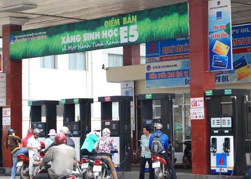 7 tỉnh, thành phố lớn là: Hà Nội, TP. HCM, Hải Phòng, Đà Nẵng, Cần Thơ, Quảng Ngãi và Bà Rịa-Vũng Tàu từ ngày 01/12/2014 sẽ sử dụng xăng e5