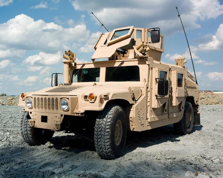 Hình ảnh xe bọc thép Humvee của Mỹ trước cú hạ cánh 'trời giáng'