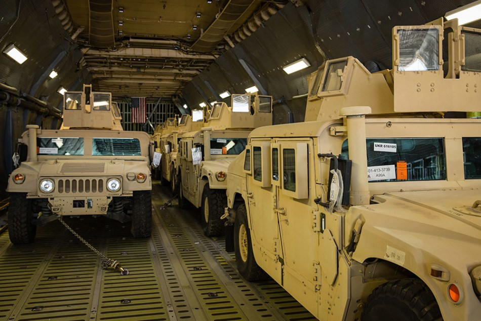 Xe bọc thép Humvee là loại xe quân sự đa dụng nổi tiếng của Mỹ