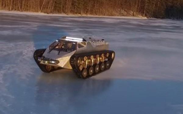 Xe tăng Ripsaw là sự kết hợp tuyệt vời giữa một chiếc siêu tăng hầm hố với siêu xe tốc độ