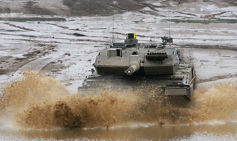 Xe tăng Leopard 2 được Krauss-Maffei Wegmann phát triển đầu thập niên 70 và đưa vào biên chế năm 1979