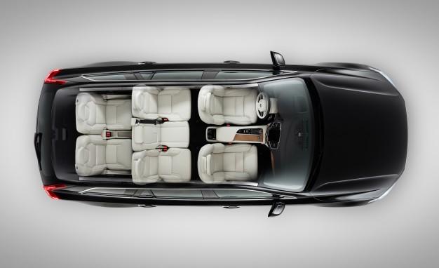 Xe oto Trung Quốc này còn sở hữu nội thất ưu việt hơn dòng xe nhỏ nổi tiếng Honda Fit