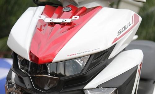 Chiếc xe máy Yamaha mới có tạo hình mạnh mẽ, góc cạnh và khá nổi bật với đèn pha LED giống như trên một số mẫu xe phân khối lớn