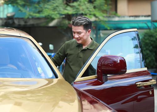 Để đem siêu xe lên sân khấu, Mr Đàm đã bỏ 10.000 USD chi trả cho chi phí vận chuyển
